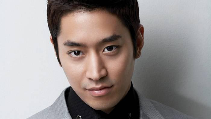 Shinhwa eric mun byeol korea