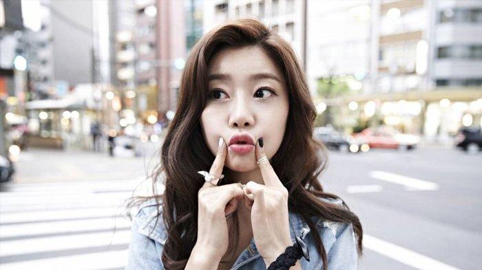 Girl's Day's So-jin Byeol Korea